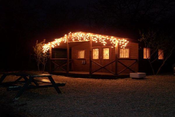 Willowfield Riverside Cabin: pet friendly