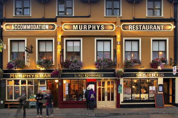 Lust auf Übernachtung in irischen Pubs?
